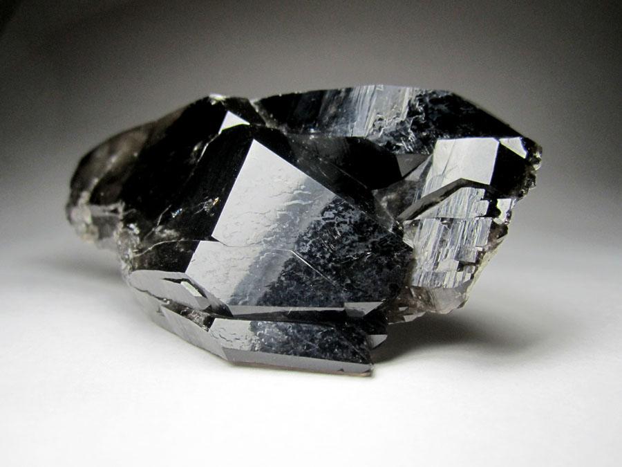 Морион камень фото