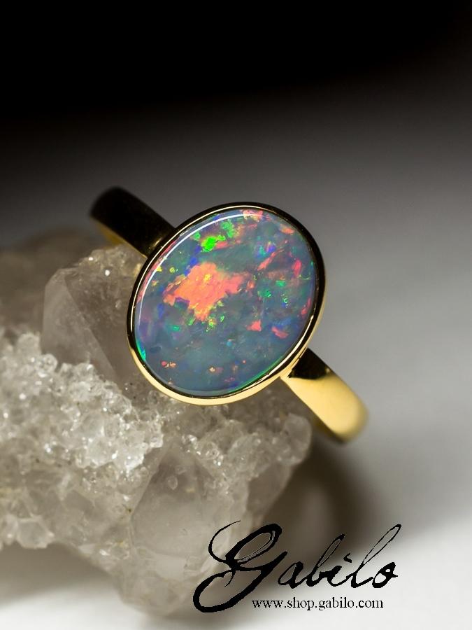 Золотые кольца с натуральным опалом